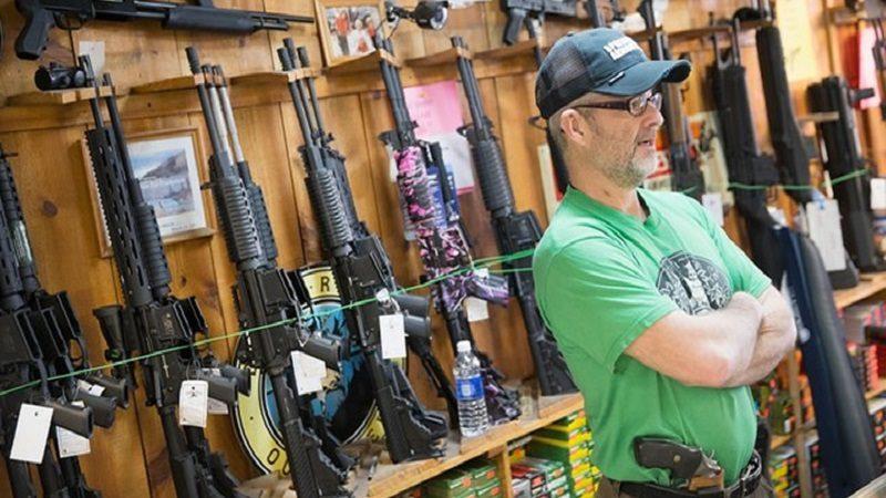 Permiten portar armas a profesores de universidad de Florida