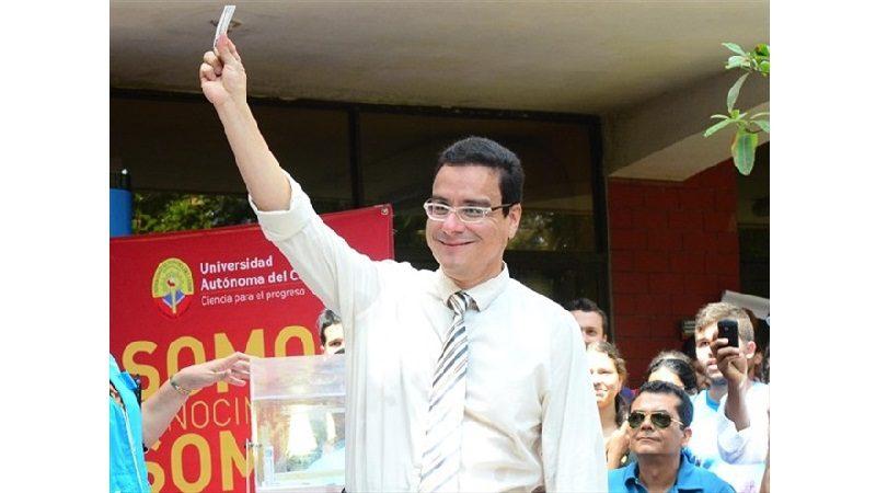 Ramsés Vargas, rector de Uniautónoma, pidió 45 días de licencia y se fue para Miami