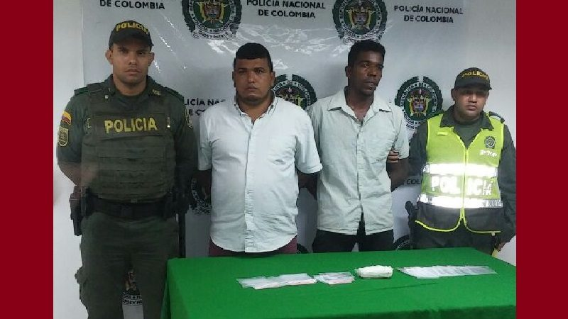 Capturan a dos hombres que 250 dosis de cocaína, entre Baranoa y Juan de Acosta