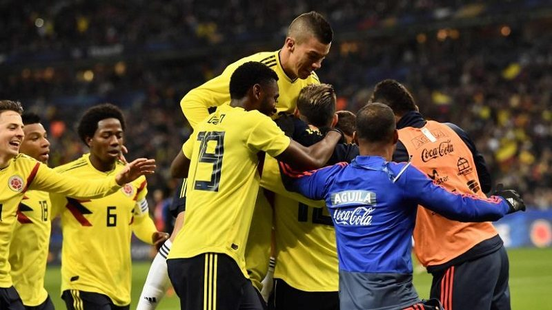 Colombia remontó y derrotó 3-2 a Francia en el Stade de France