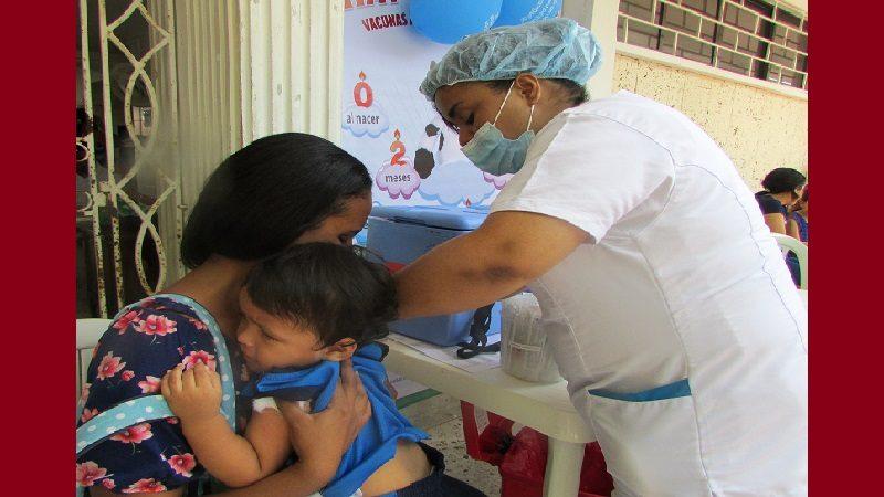 Distrito sigue fortaleciendo jornadas de vacunación en la población infantil