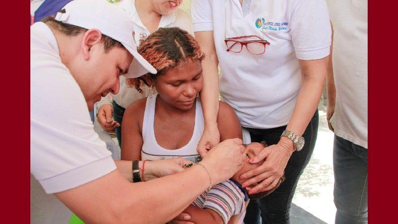 Gobernación realiza jornada de vacunación especial para venezolanos, en Soledad