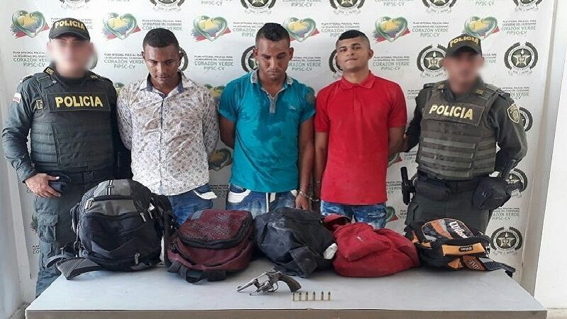 Los capturan cuando atracaban a pasajeros de un bus en Malambo