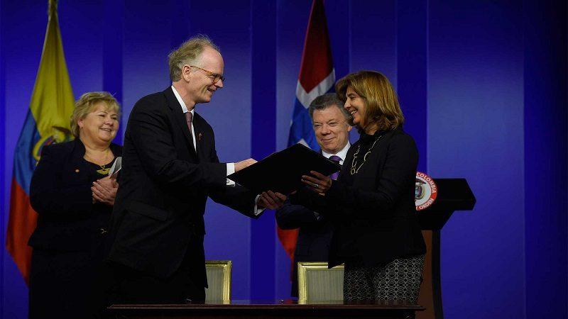 Los gobiernos de Colombia y Noruega firmaron este lunes varios acuerdos de cooperación durante la visita de la Primera Ministra Erna Solberg, quien se reunió con el Presidente Santos en la Casa de Nariño.