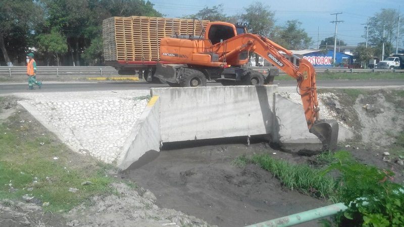Comenzó limpieza de arroyo 'El Malama', en Malambo