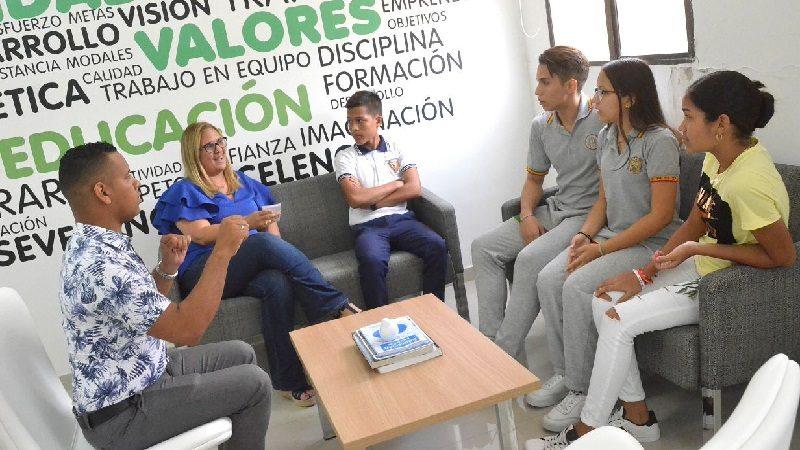 Cuatro estudiantes del Distrito viajan a campamento para convertirse en gestores de cambio