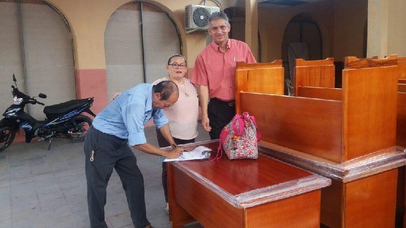 Entregan mobiliario para docentes y alumnos de colegios oficiales en Malambo