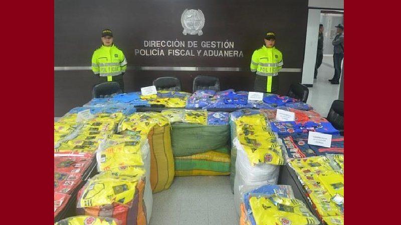 Incautan camisetas y sudaderas de la selección Colombia, de contrabando, en Barranquilla y otras ciudades