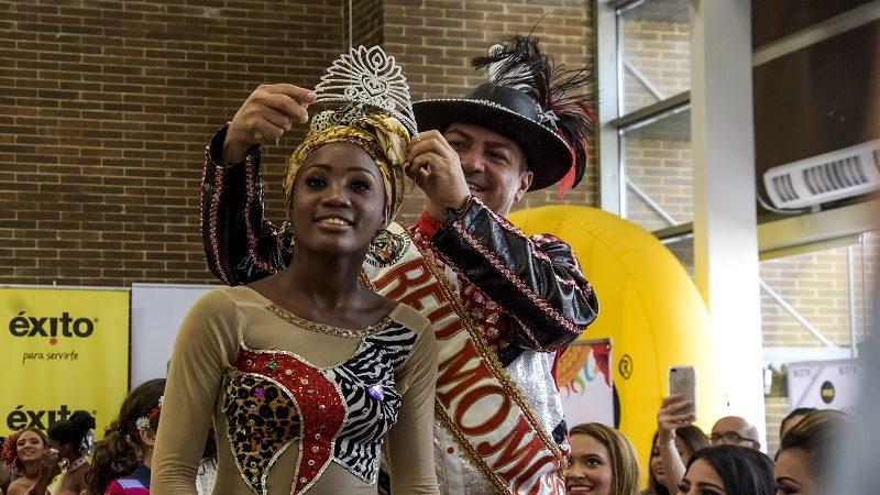 Reina Popular 2018 representa al Carnaval de Barranquilla en festival de danza folclórica en México