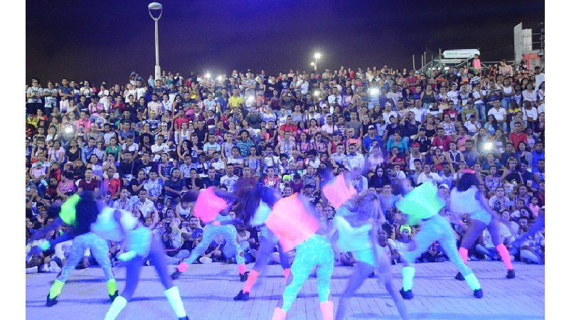 15.000 barranquilleros celebraron la danza en el Gran Malecón del Río