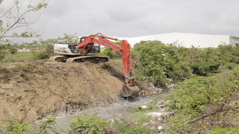 Avanza limpieza de arroyos en Malambo para prevenir inundaciones