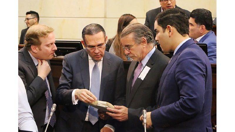Ley de Regiones es aprobada en el Senado, sigue a la Cámara para su examen final