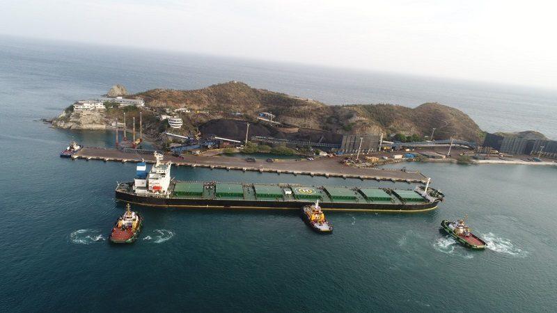 Arribó al Puerto de Santa Marta el buque con mayor carga de importación en la historia de Colombia