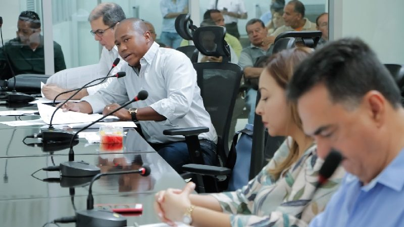 Asamblea estudiará situación de hospitales para buscar soluciones a crisis económica