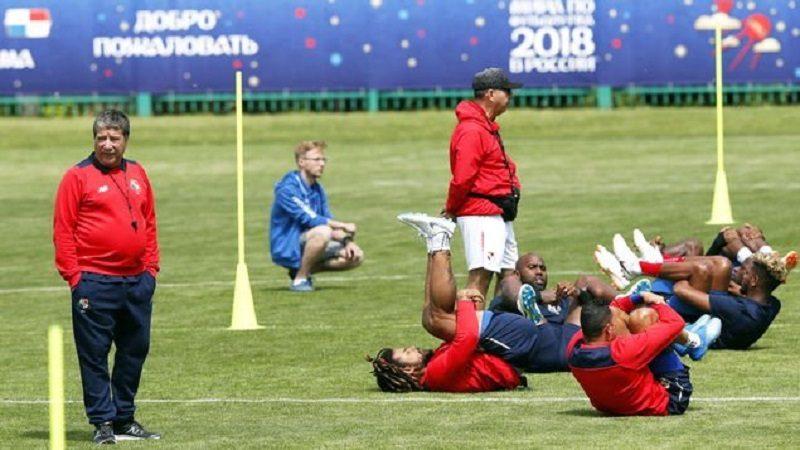 'Bolillo' Gómez pide a los jugadores panameños que 'no sientan susto'