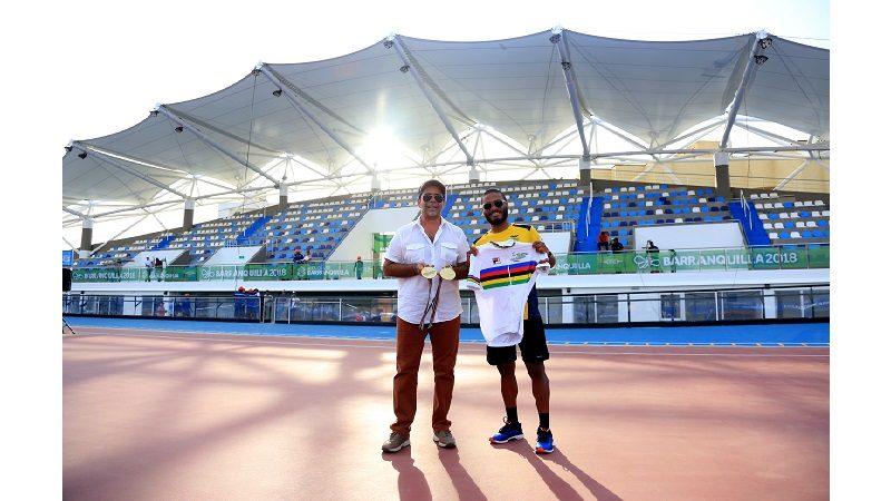 Alcalde Char presentó el nuevo Patinódromo a Alex Cujavante