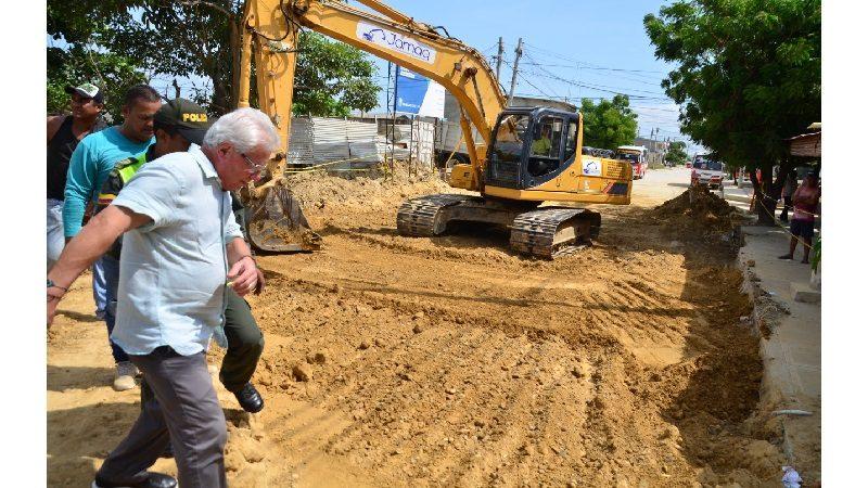 En 90 por ciento avanzan obras de saneamiento básico y pavimentación en Normandía