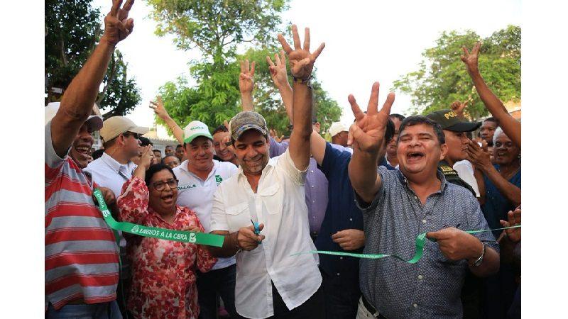Habitantes del barrio Santo Domingo estrenan 1.6 kilómetros de vías pavimentadas