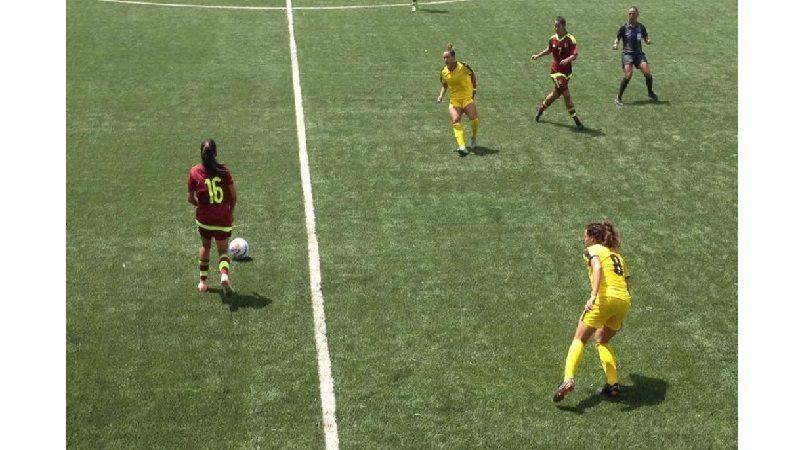 Jamaica cae en el debut 2-1 ante Venezuela tras desperdiciar dos penales