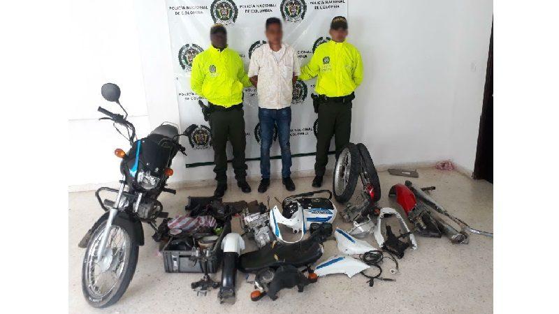 Se robó una moto en Baranoa y la estaba desguazando en Sabanalarga
