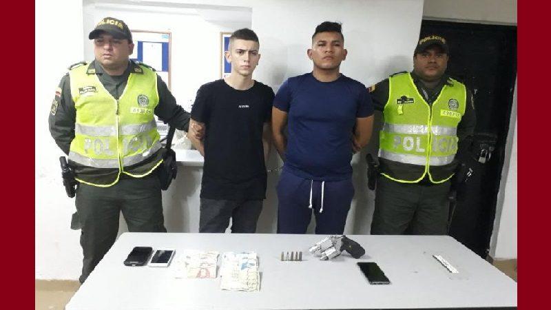 Atracaron a un taxista en Los Nogales y los capturó la Policía