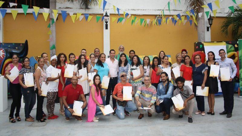 Carnaval y Promigas entregan 30 becas para emprendedores de la fiesta