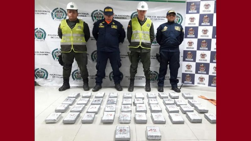 Decomisan 45 kilos de cocaína en dos embarcaciones en el puerto de Barranquilla