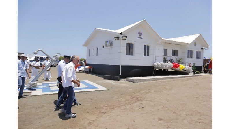 Playas del Atlántico estrenan estación de guardacostas y lancha