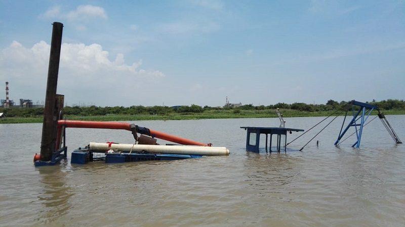 Presencia de hidrocarburo en el río proviene de una draga que se hundió