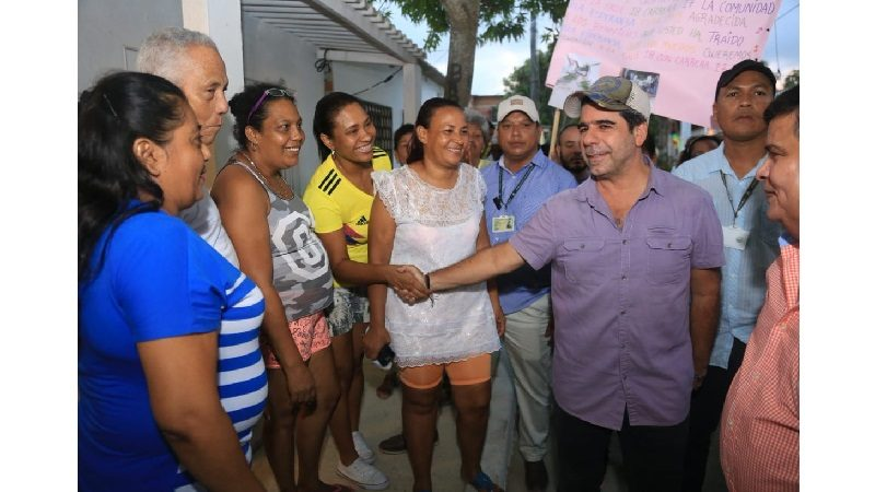 Alcalde Char entregó 11 vías pavimentadas en el corregimiento La Playa
