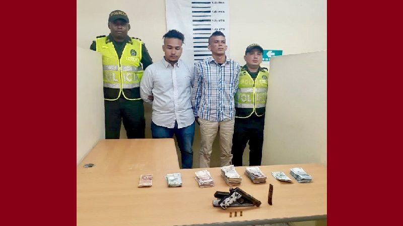 Capturan a dos hombres cuando asaltaban un banco en Soledad