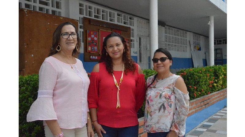 Docentes y rectoras del Distrito participan en experiencia de bilingüismo en Reino Unido