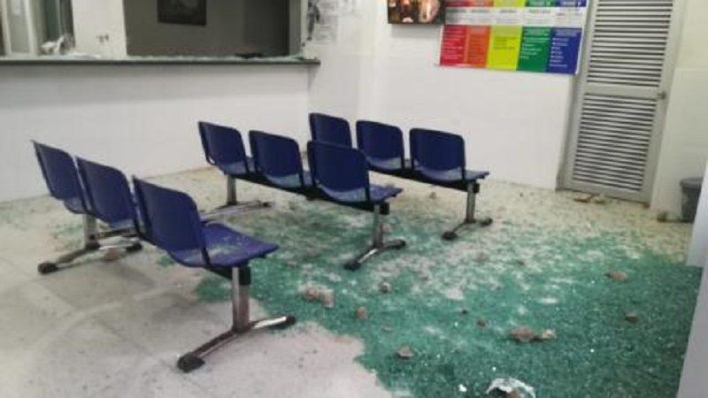 Dos muertos, dos heridos y destrozos en el hospital, deja riña en Polonuevo