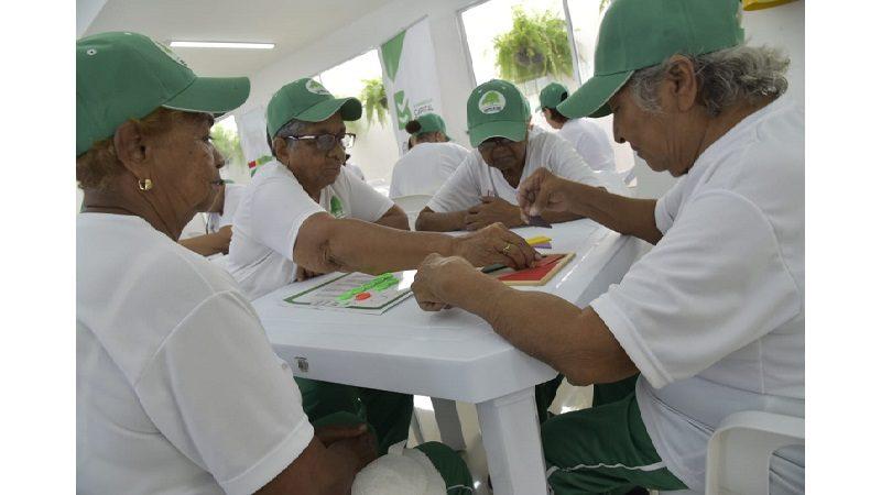 Más de 100 abuelitos de San Salvador están felices con nuevo centro de vida