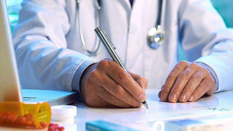 Verifique su fórmula médica para que no se la devuelvan, antes de salir del consultorio
