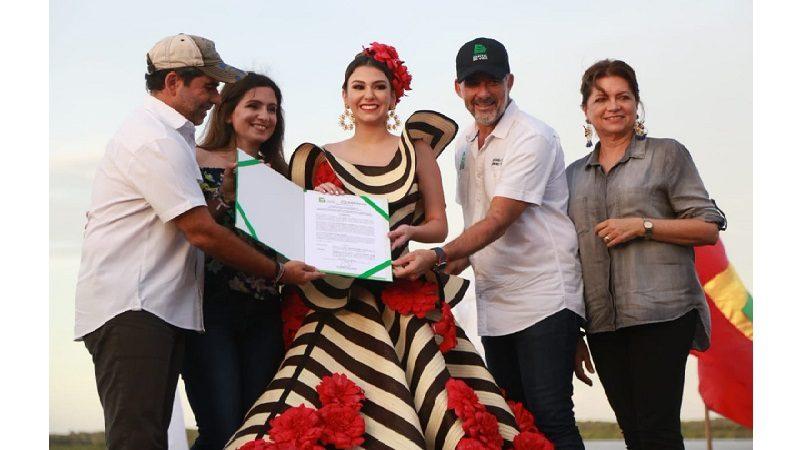 Alcalde Char entregó decreto a Reina del carnaval de Barranquilla 2019