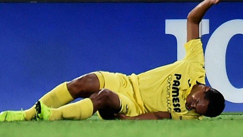 Carlos Bacca, lesionado tras hacer una 'rabieta' en el partido contra Atlético Madrid