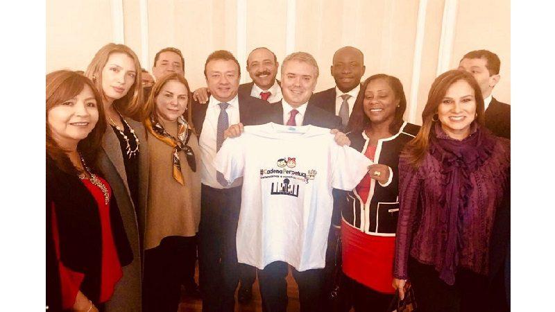 Congresista Martha Villalba y su bancada hicieron entrega formal del Proyecto de Cadena Perpetua al Presidente Iván Duque
