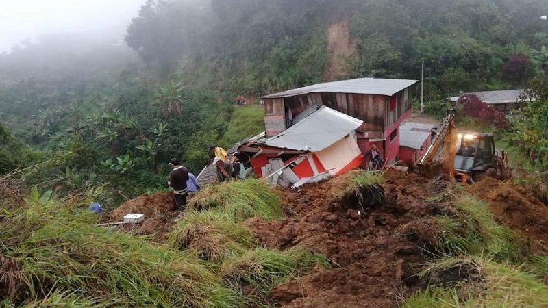 Doce personas muertas tras derrumbe en Marquetalia, Caldas