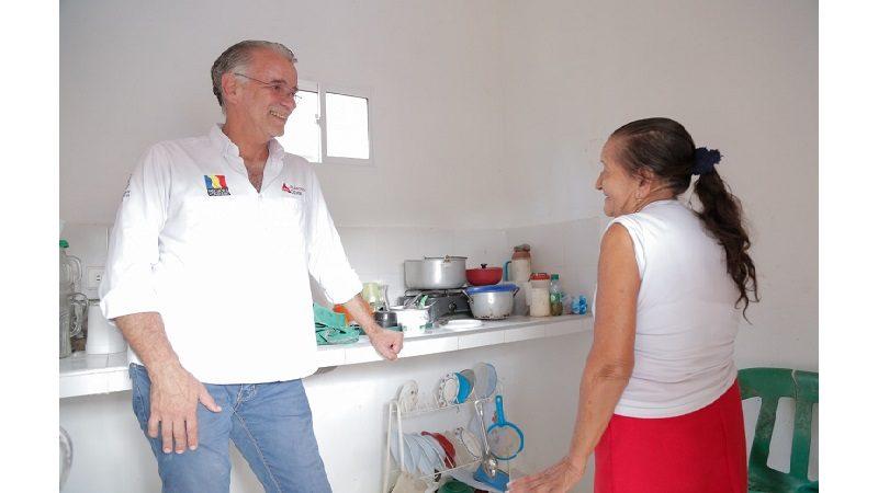Entregan 380 títulos de propiedad y mejoran 293 casas en Usiacurí