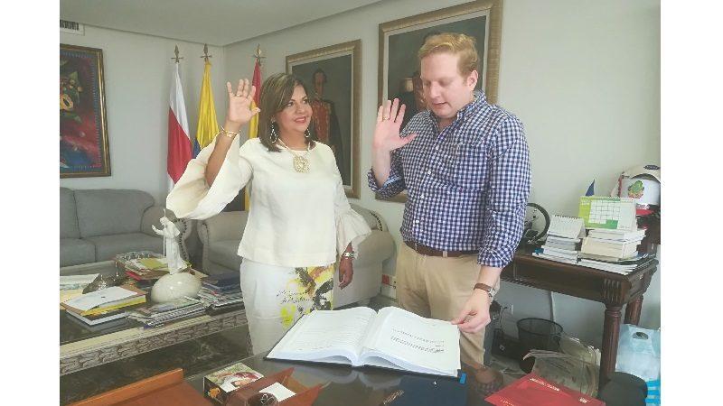 Gobernador (e) posesiona a magistrada del Tribunal Administrativo del Atlántico
