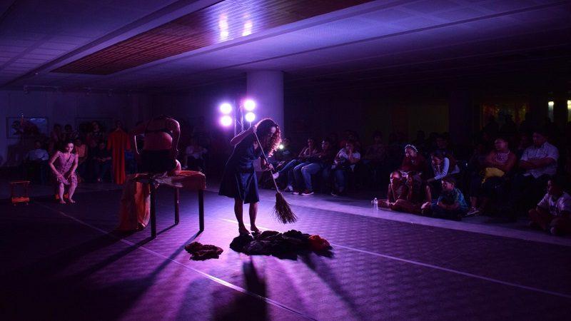 La Galería Plaza de la Paz invita a conversatorios con compañías de teatro