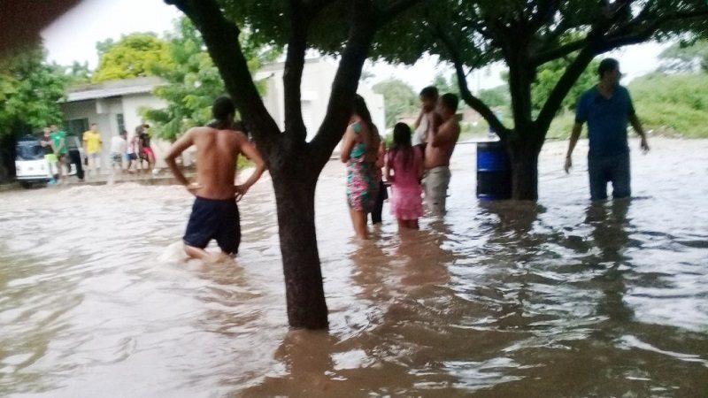 Más de 65 mil afectados dejan arroyos desbordados en La Guajira
