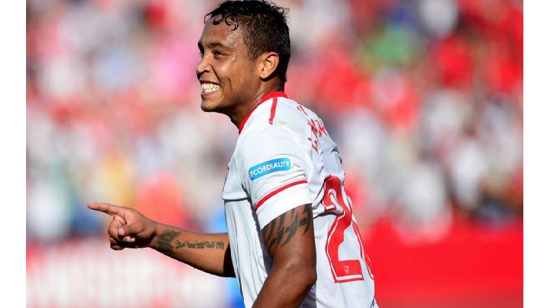 Muriel anotó gol en la derrota de Sevilla 4-2 contra Barcelona