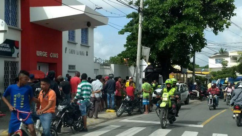 Sicarios en moto asesinan a un joven en el barrio La Manga