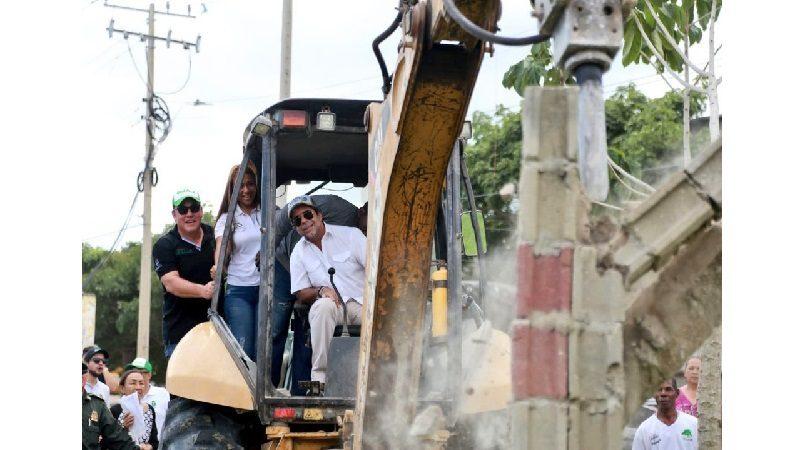 Alcalde Char inició obras de reconstrucción de dos parques en la Ciudadela 20 de Julio