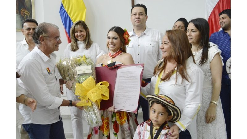 Asamblea exaltó a la reina del Carnaval 2019 con la Orden de Barlovento