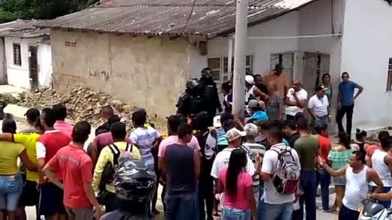 Atraco y balacera dejan seis heridos y un capturado en el barrio Las Américas