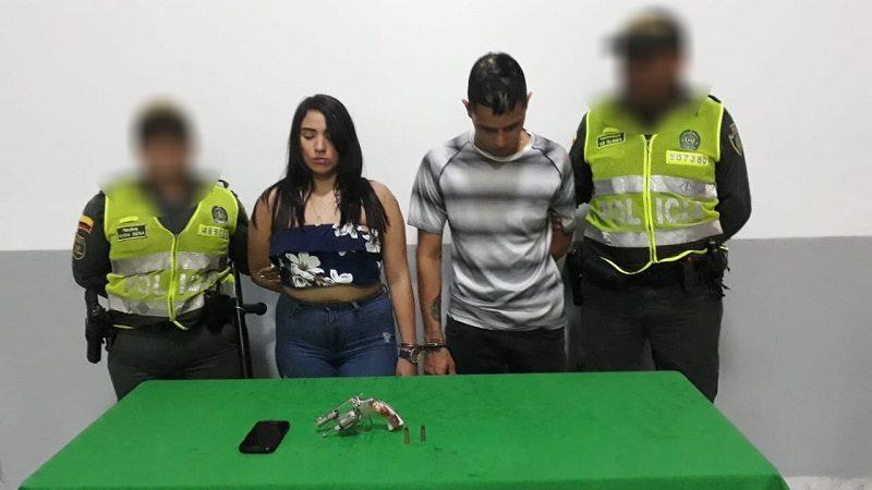 Cae pareja que atracaba en taxi por el norte de Barranquilla