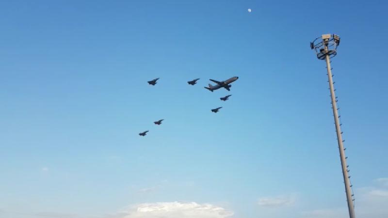 Entrenamiento de la Fuerza Aérea adorna los cielos de Barranquilla